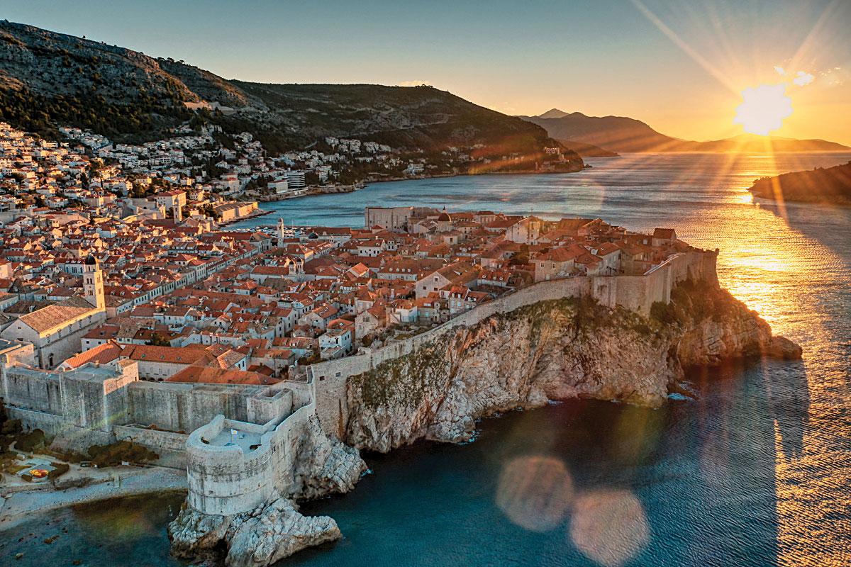 Visit Dubrovnik, Croatia on board superyacht Emerald Azzurra
