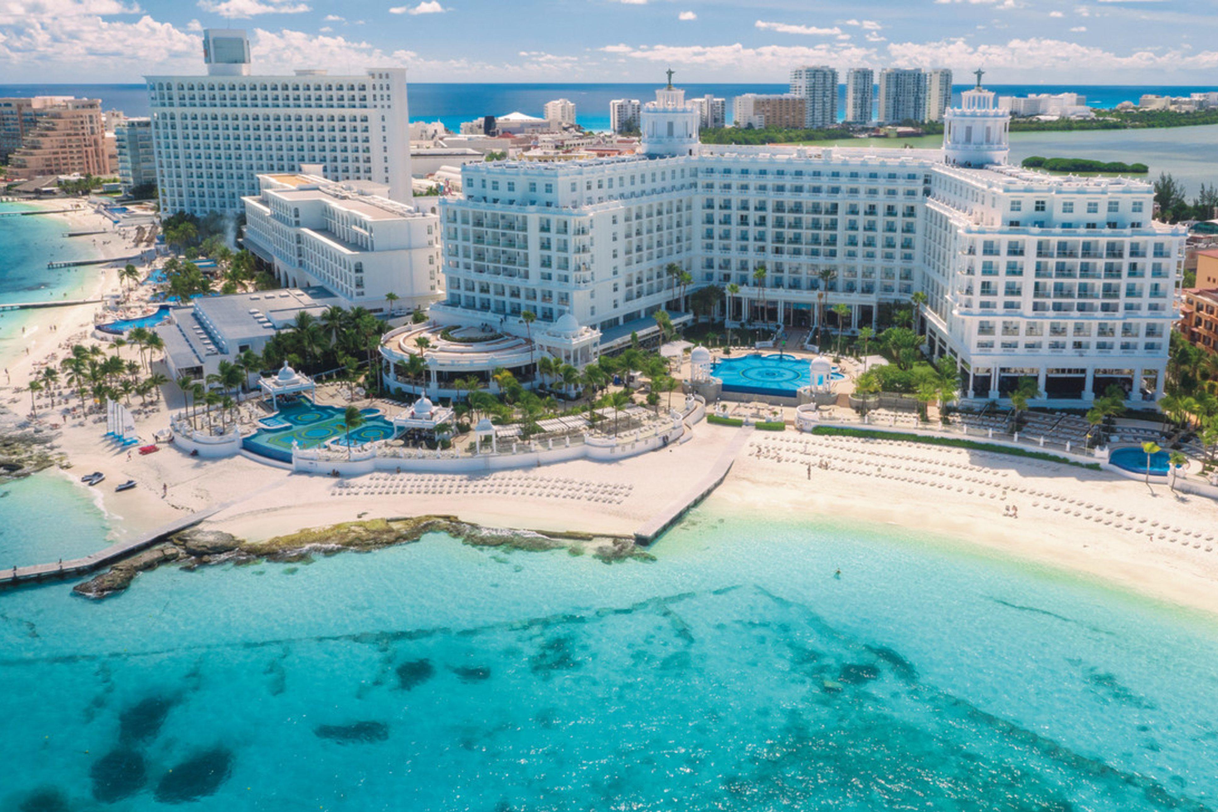 Riu Cancun Room Service