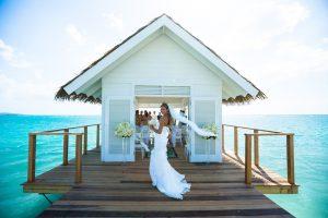 Sandals Hosting New Weddings Webinars