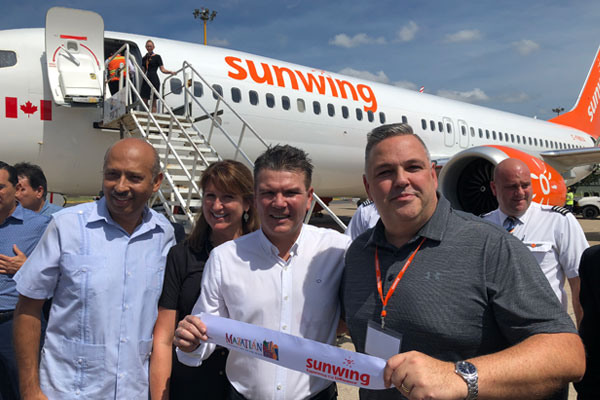 A Big Mazatlan Welcome For Sunwing