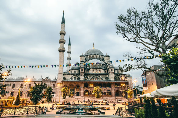 Istanbul 'ultimate meeting point' between east and west