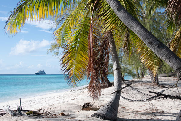 PONANT Partners With The Aldabra Clean Up Project