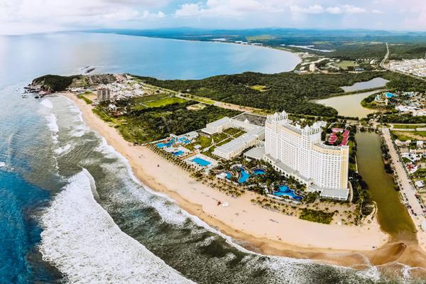 Riu Emerald Bay Adds New Waterpark