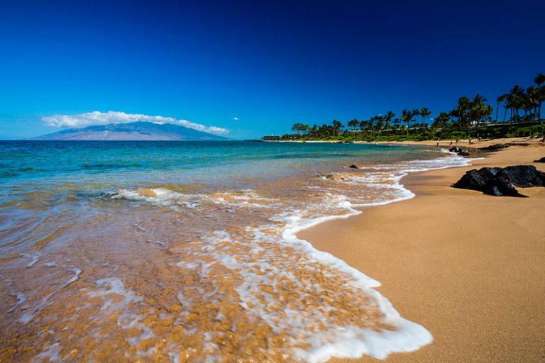 1107-16-17-WestJet-Hawaii-07-768x512.jpg