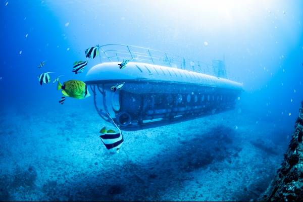 Deals on April submarine dives by Atlantis