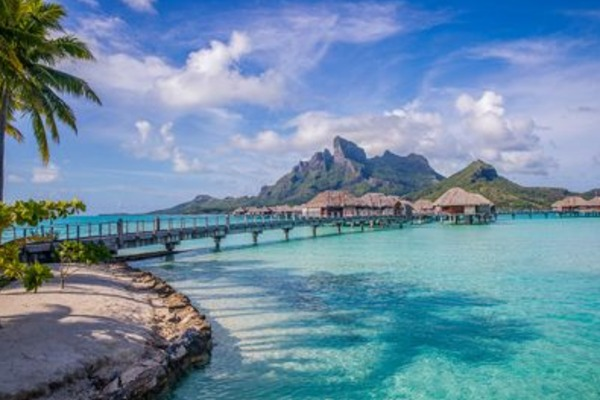 Tahiti Tourisme Launches Canadian Specialist Program