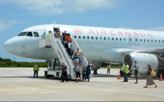Cuba Welcomes First Canadian Flight