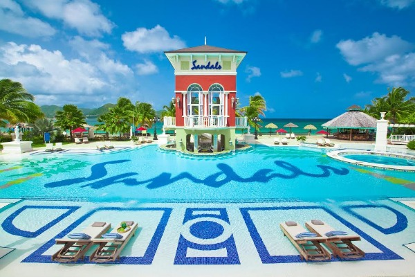 Sandals Offering Canadian Guests Free PCR Tests