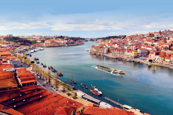 Set Sail With A Theme On Emerald Cruises