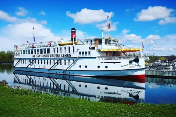 Small Ship Sightseeing Sets Sail In Ontario