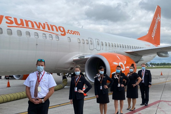 Sunwing Takes Off To The Sun